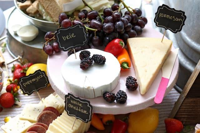 Kaas en frambozen kunnen rosacea triggeren