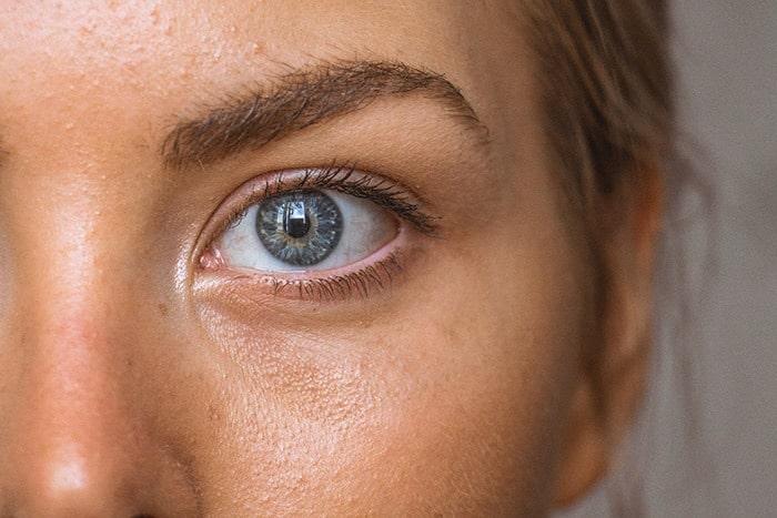 Dezelfde anti rimpel creme voor de ogen en voor het gezicht: het kan met Reverta