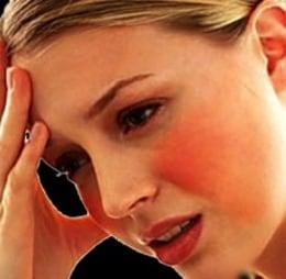 Blozen is een vervelend verschijnsel van rosacea en komt altijd ongelegen.